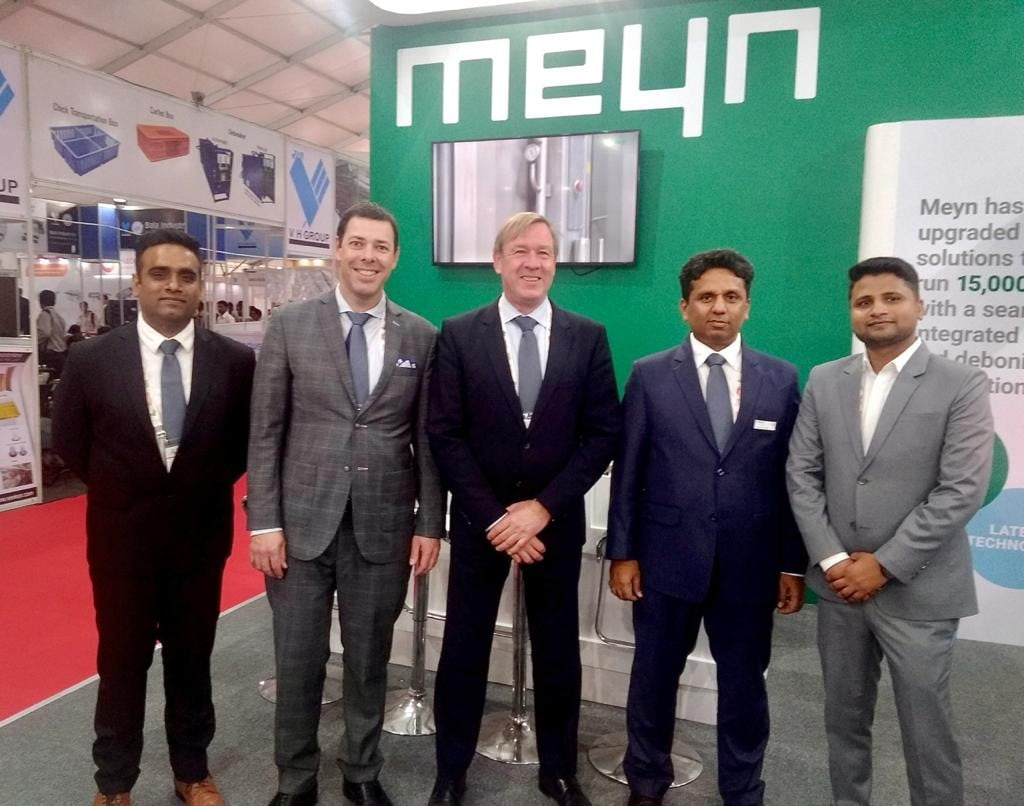Mr. Robbert Birkhoff (in middle), Director Sales & Projects, Meyn Food Processing Technology BV with team of Meyn India